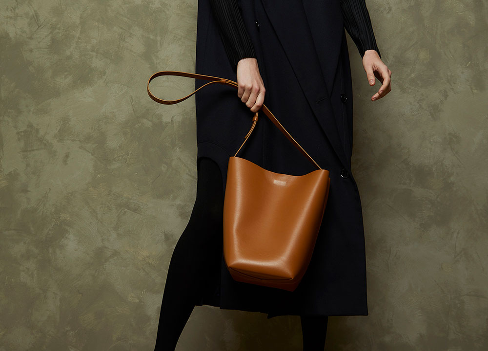 the sway leather tote bag from aesther ekme